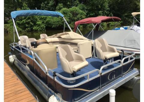 Grand Island 20' Pontoon Boat with Trailer