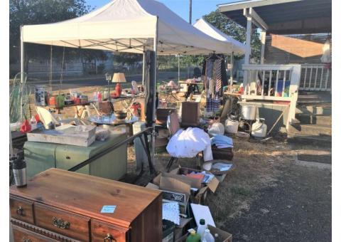 ESTATE SALE & GARAGE SALE / Everything Must Go (Scappoose)
